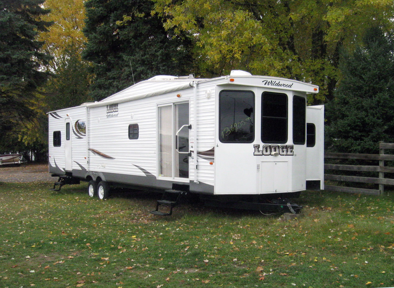 2014 Wildwood Lodge 392 FLFB Park Model